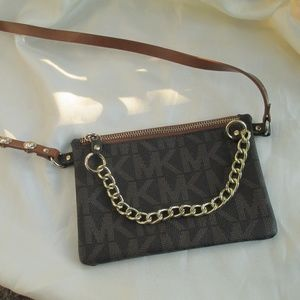 Micheal Kors Fanny Pack ajustable